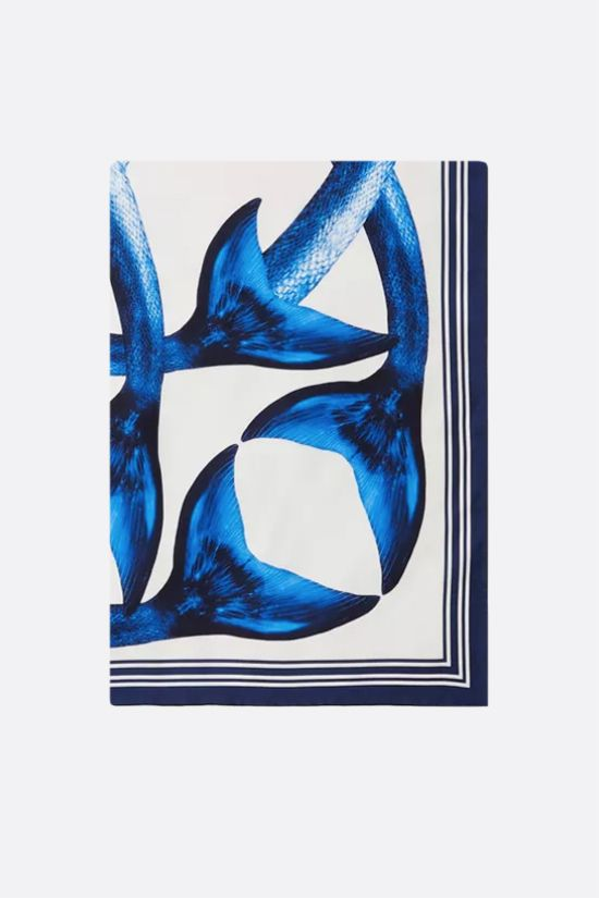 BURBERRY: foulard Mermaid Tails in seta Colore Blu_1