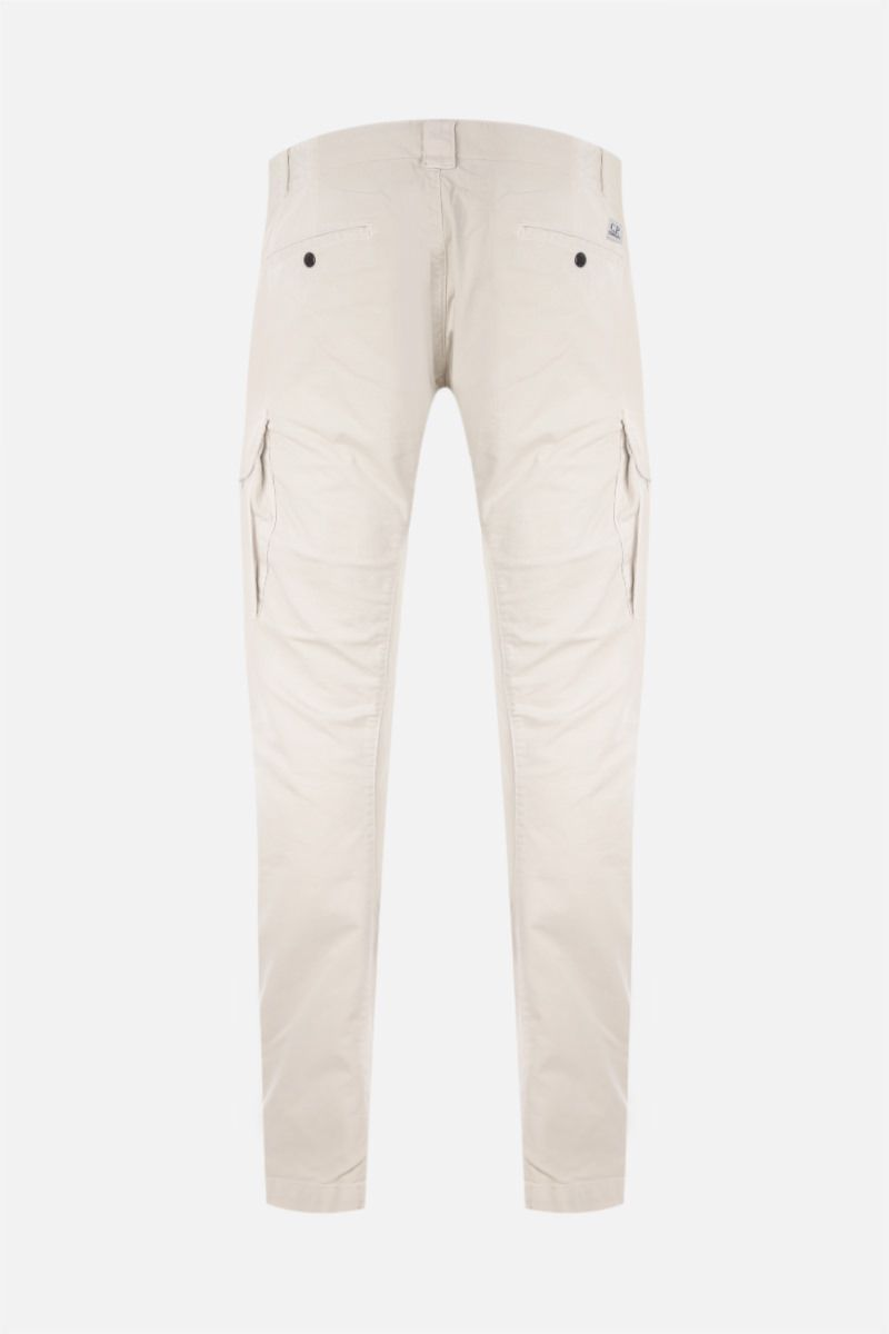 CP COMPANY: logo-detailed cargo pants in Stretch Sateen_2