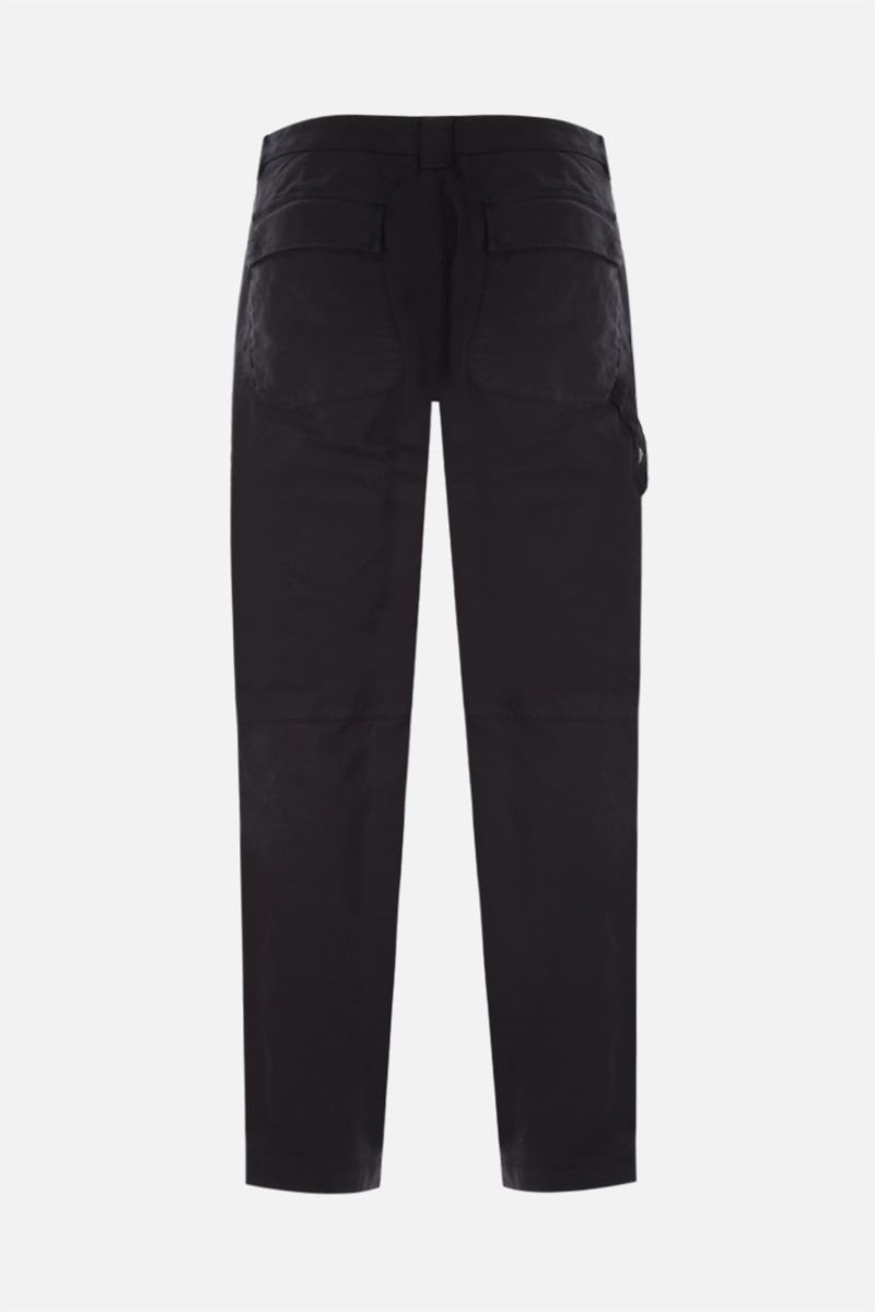CP COMPANY: logo-detailed cargo pants in Stretch Sateen Color Black_2