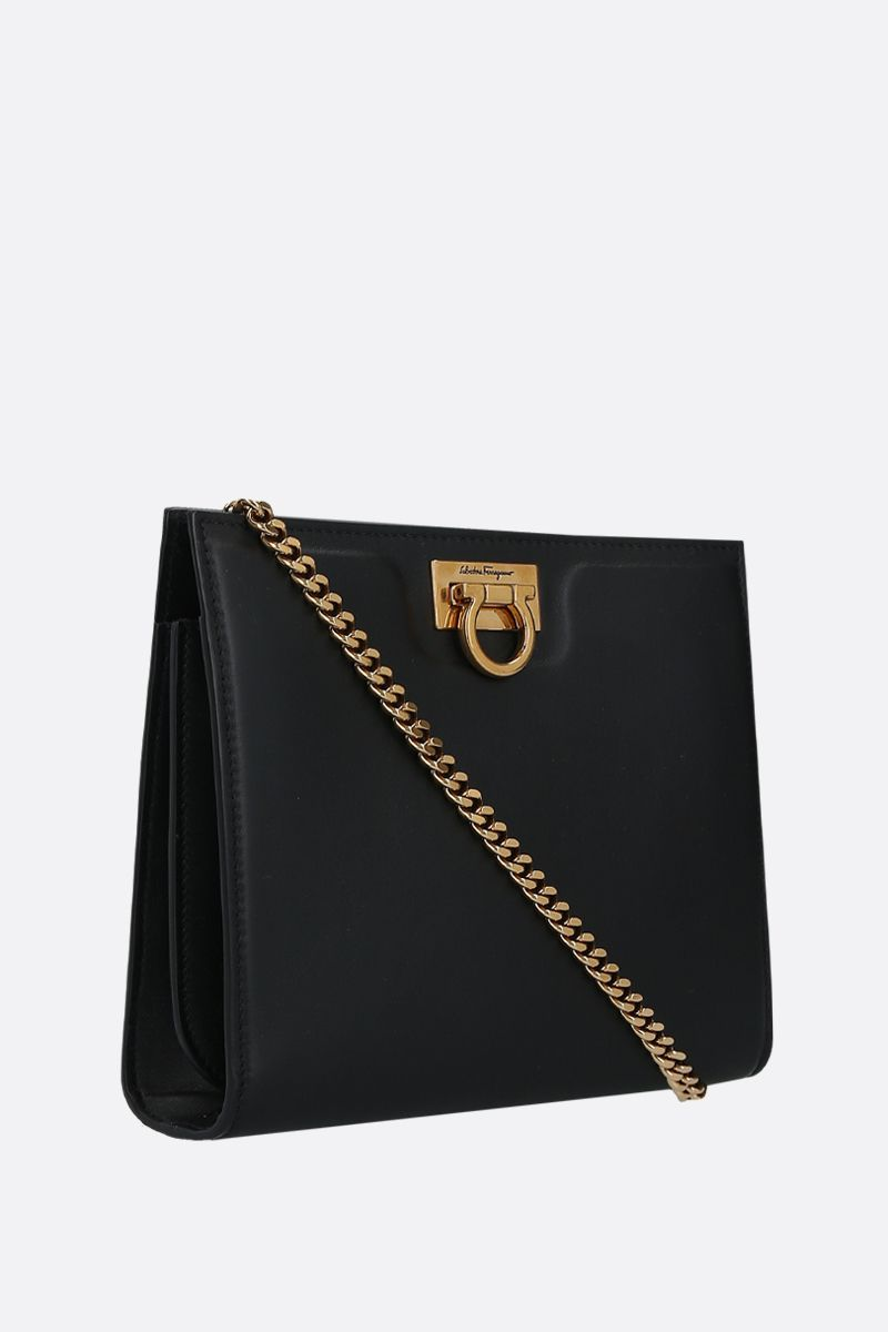 SALVATORE FERRAGAMO: logo-detailed smooth leather shoulder bag Color Black_2