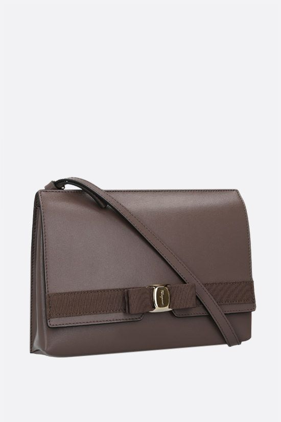 SALVATORE FERRAGAMO: Vara bow-detailed smooth leather shoulder bag Color Brown_2