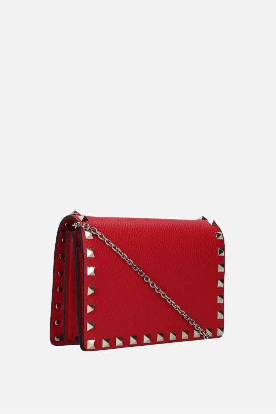 VALENTINO GARAVANI: Rockstud grainy leather chain clutch Color Red_2