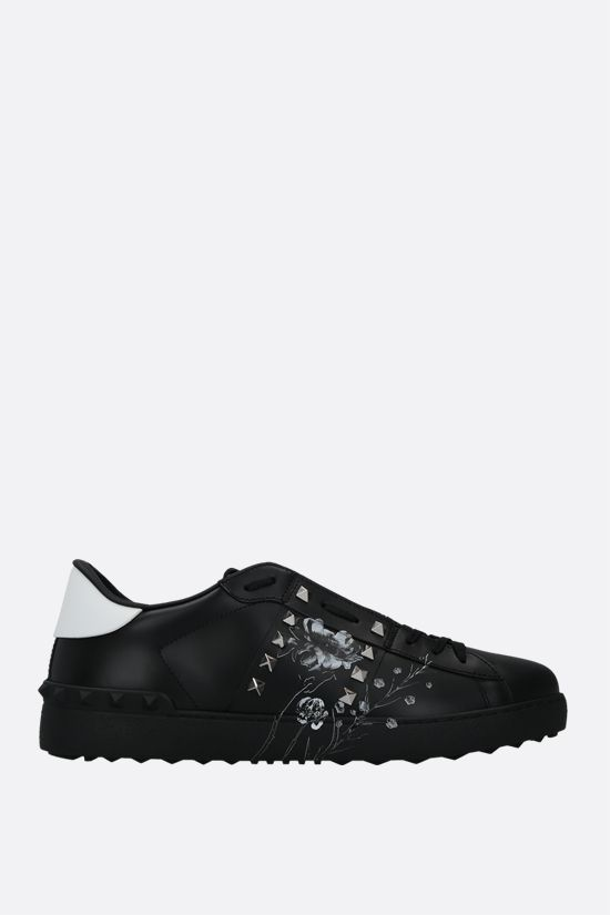 VALENTINO GARAVANI: Rockstud Untitled Flowersity smooth leather sneakers Color Black_1
