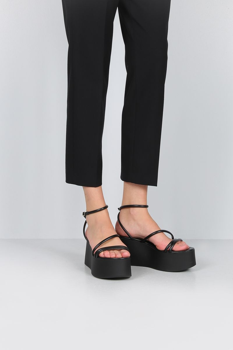 GIANVITO ROSSI: Bekah flatform sandals in soft nappa Color Black_2