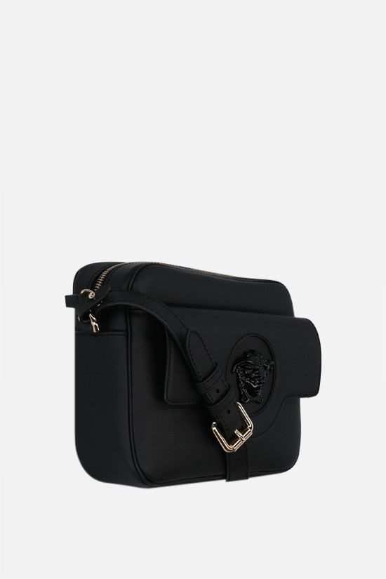 VERSACE: La Medusa grainy leather shoulder bag Color Black_2
