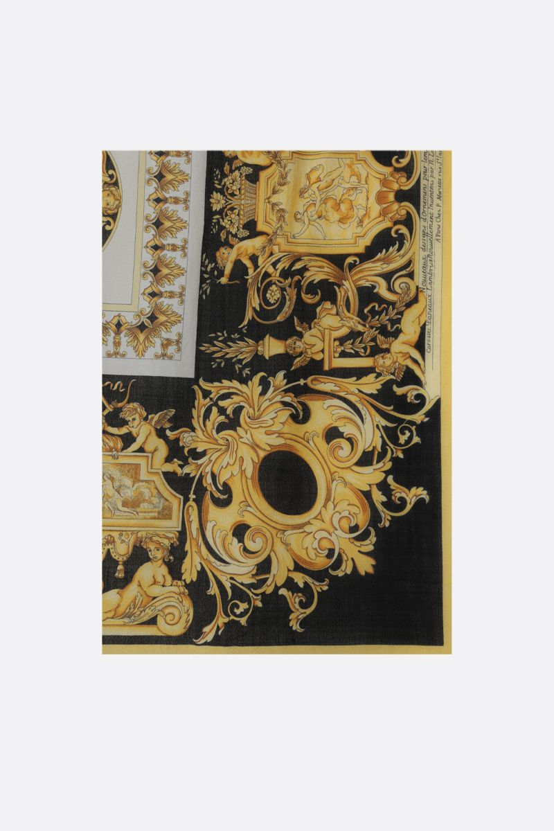 VERSACE: Baroque print wool blend shawl Color Black_1
