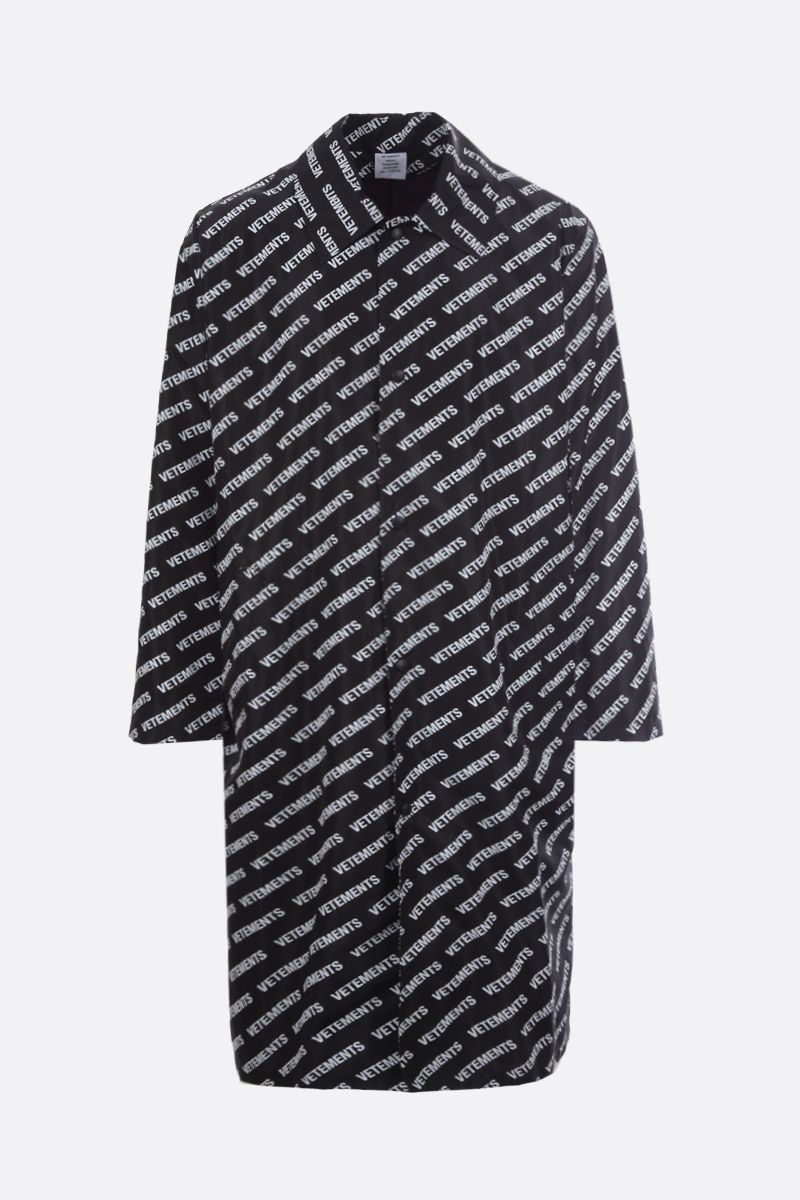 VETEMENTS: Vetements print nylon single-breasted overcoat Color Black_1