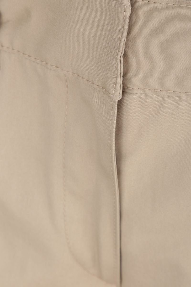PRADA: pantalone straight-fit in cotone Colore Marrone_4