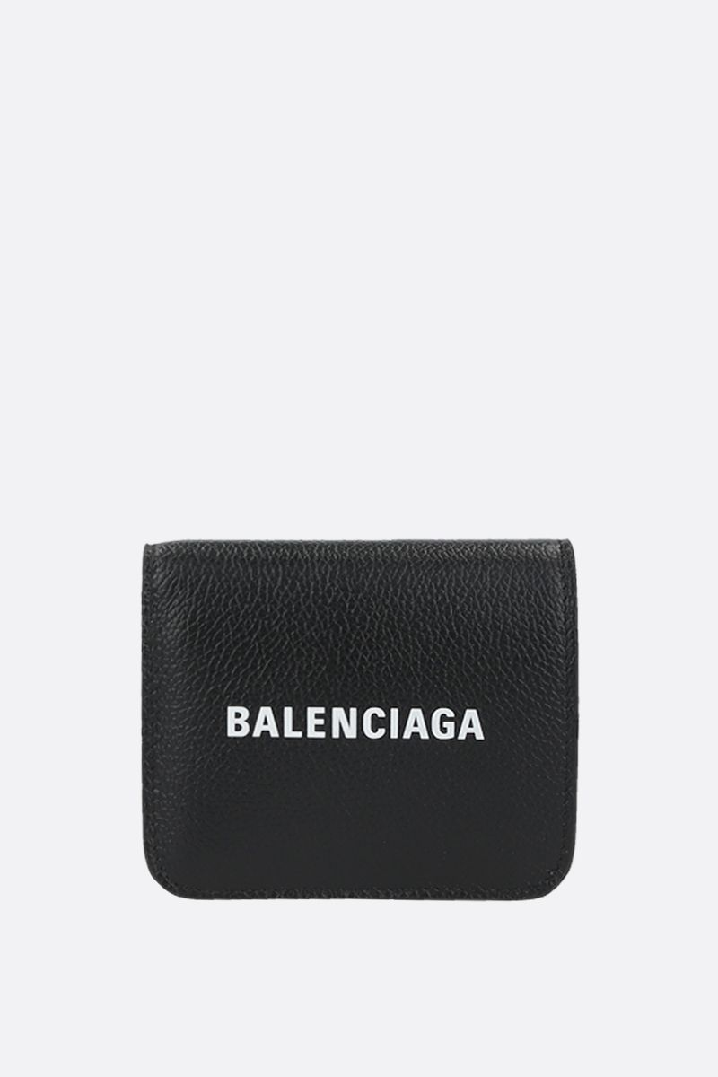 BALENCIAGA: Cash grainy leather flap coinpurse on chain Color Black_1