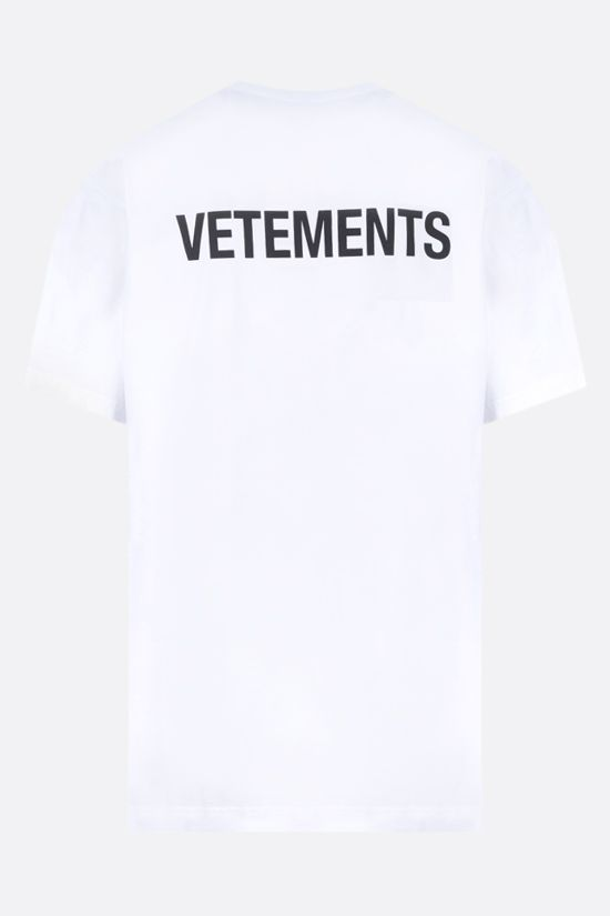 VETEMENTS: t-shirt in cotone stampa logo Colore Bianco_2