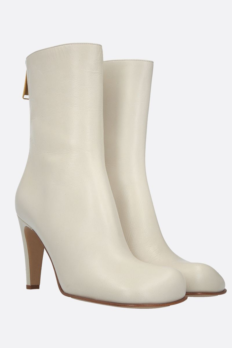 BOTTEGA VENETA: crakled-vintage effect leather ankle boots Color White_2