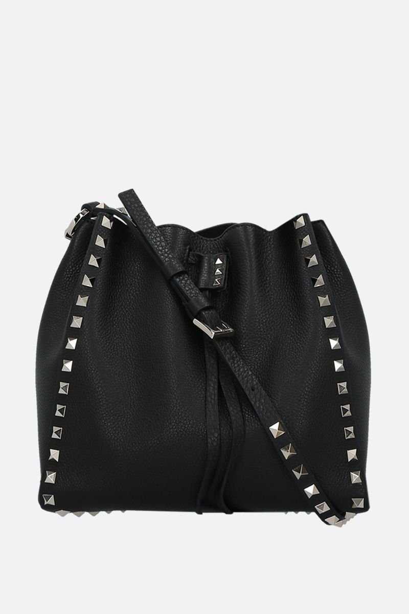 VALENTINO GARAVANI: Rockstud small grainy leather bucket bag Color Black_1