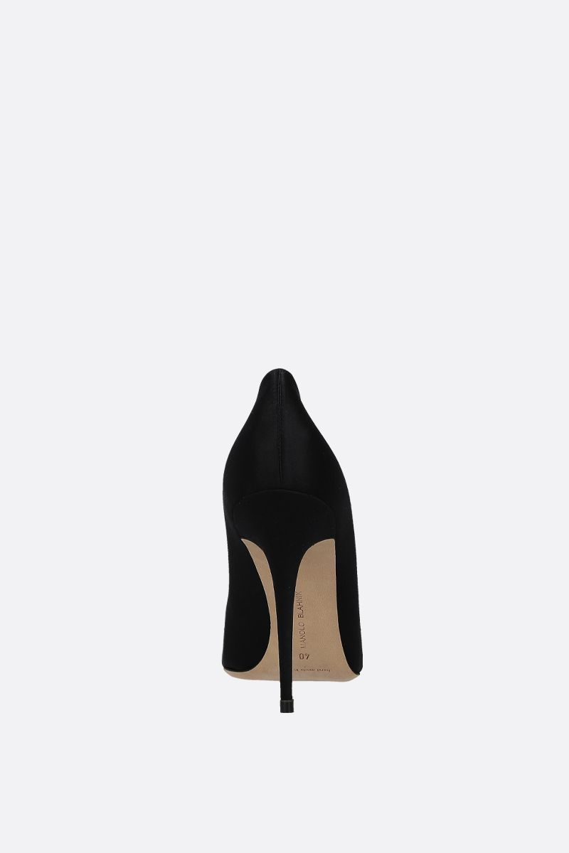 MANOLO BLAHNIK: Fasa satin pumps Color Black_3