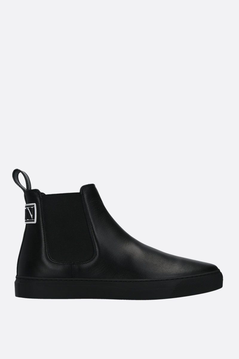 VALENTINO GARAVANI: VLTN tag smooth leather beatles Color Black_1