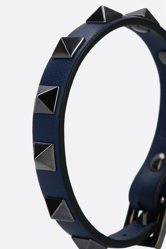 VALENTINO GARAVANI: Rockstud smooth leather bracelet Color Blue_2