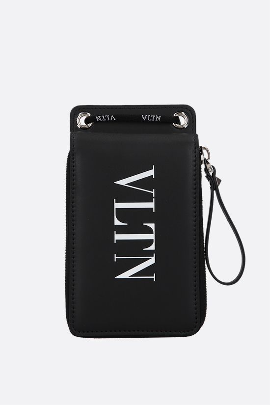 VALENTINO GARAVANI: VLTN smooth leather neck wallet Color Black_1