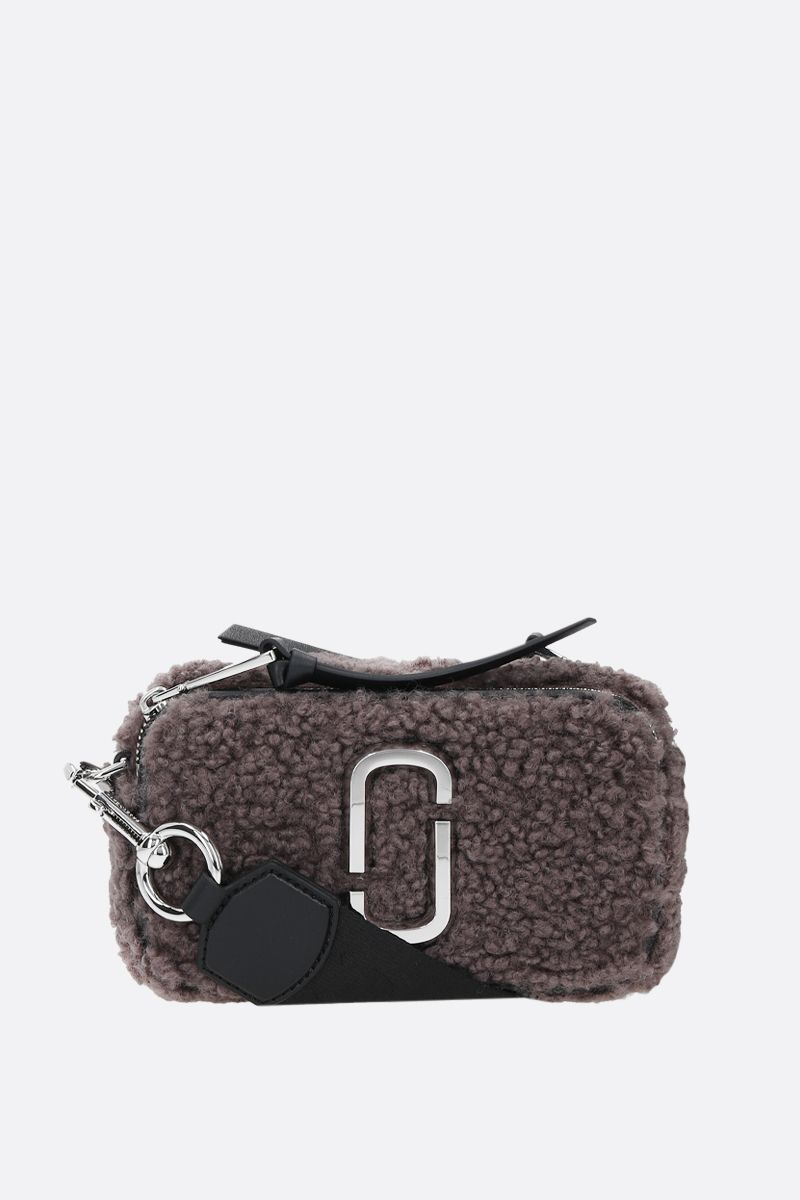 MARC JACOBS: Snapshot Teddy small faux shearling camera bag Color Grey_1