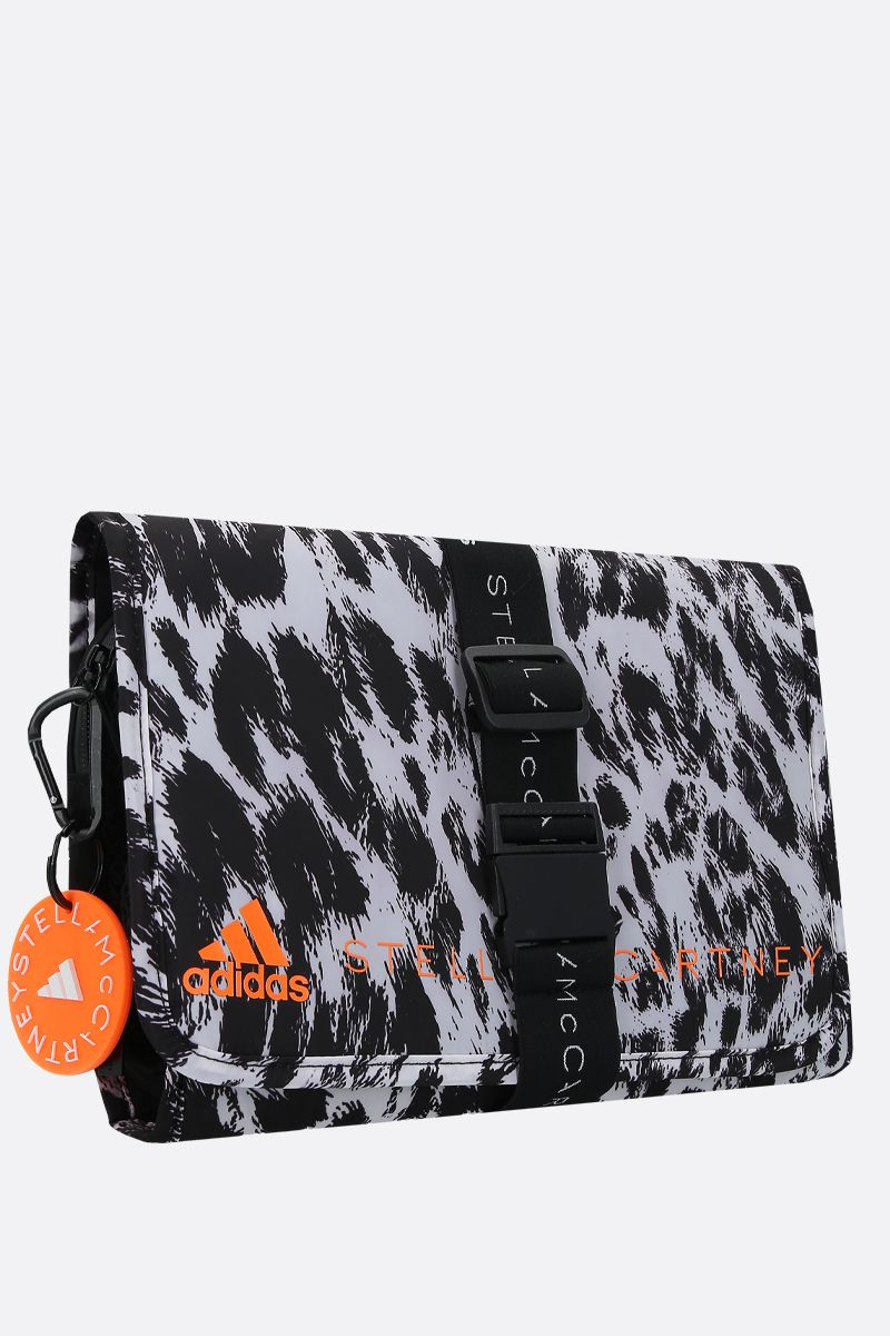 ADIDAS BY STELLA McCARTNEY: beauty case adidas by Stella McCartney in nylon stampa leopardo Colore Nero_2