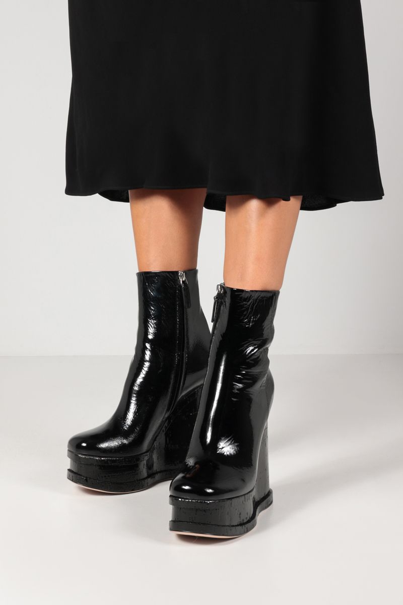 HAUS OF HONEY: Lacquer Doll naplak wedge booties Color Black_2