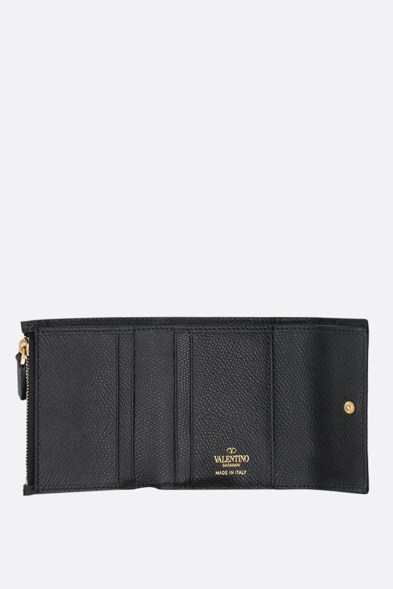 VALENTINO GARAVANI: VSLING grainy leather flap wallet Color Black_2