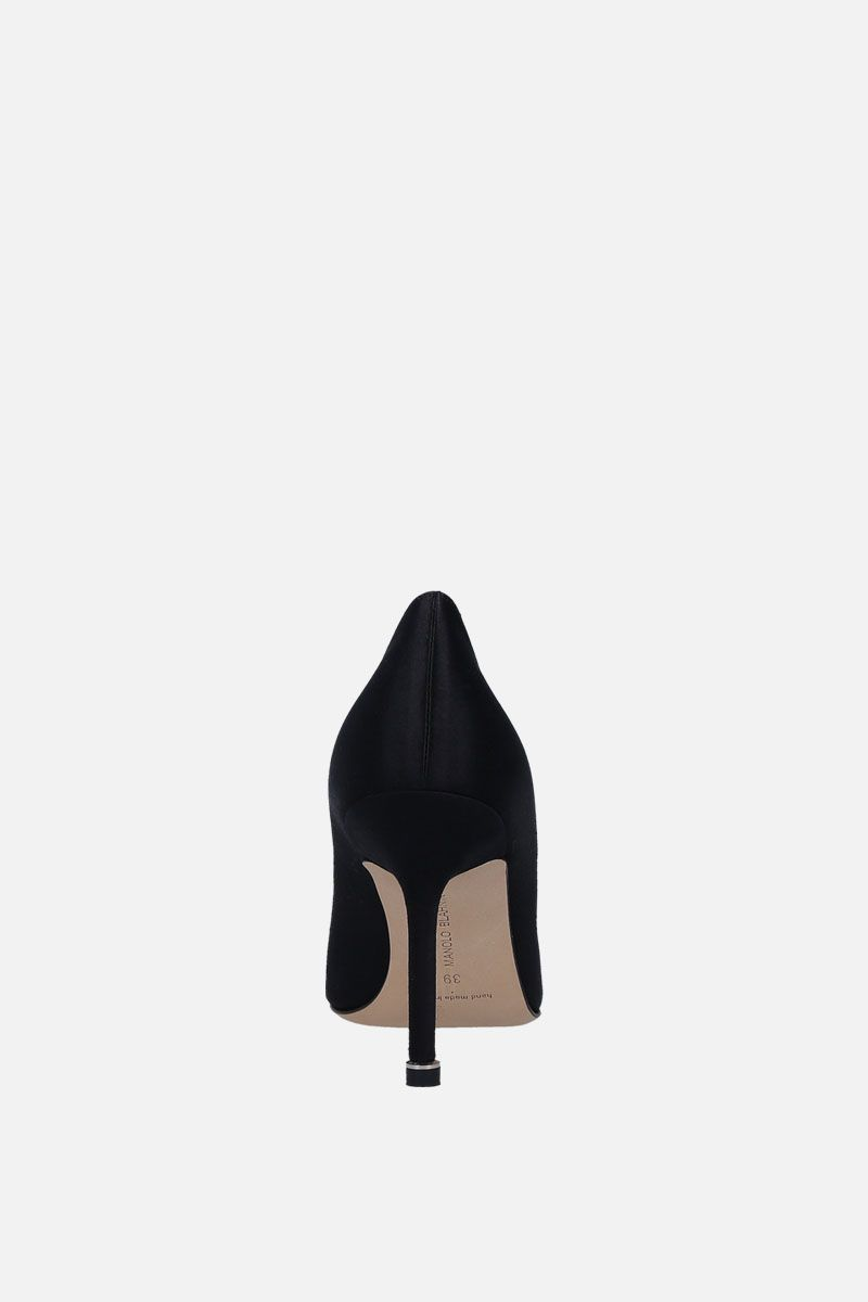 MANOLO BLAHNIK: Hangisi satin pumps Color Black_3