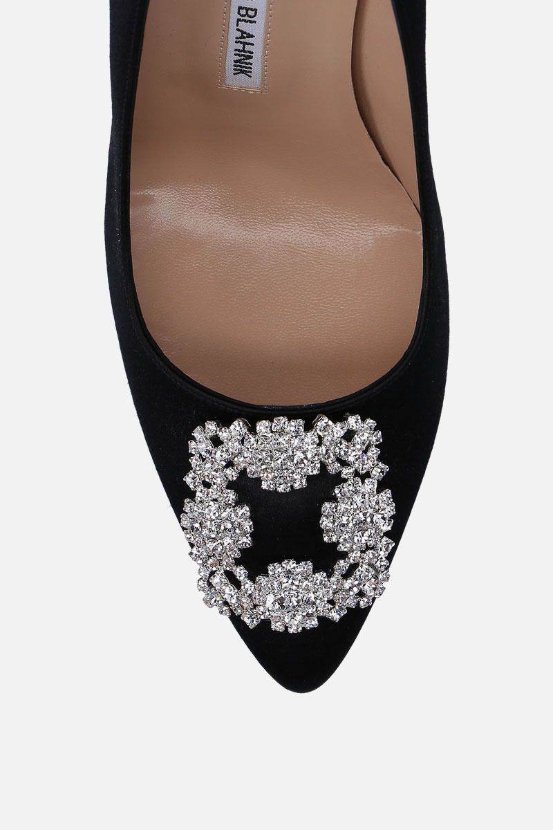 MANOLO BLAHNIK: Hangisi satin pumps Color Black_4