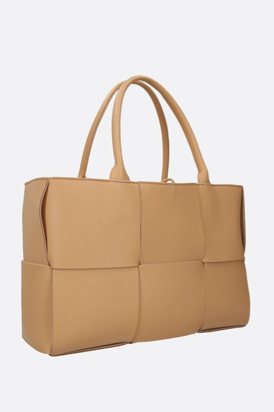 BOTTEGA VENETA: Arco tote bag in Maxi Intrecciato nappa Color Neutral_2