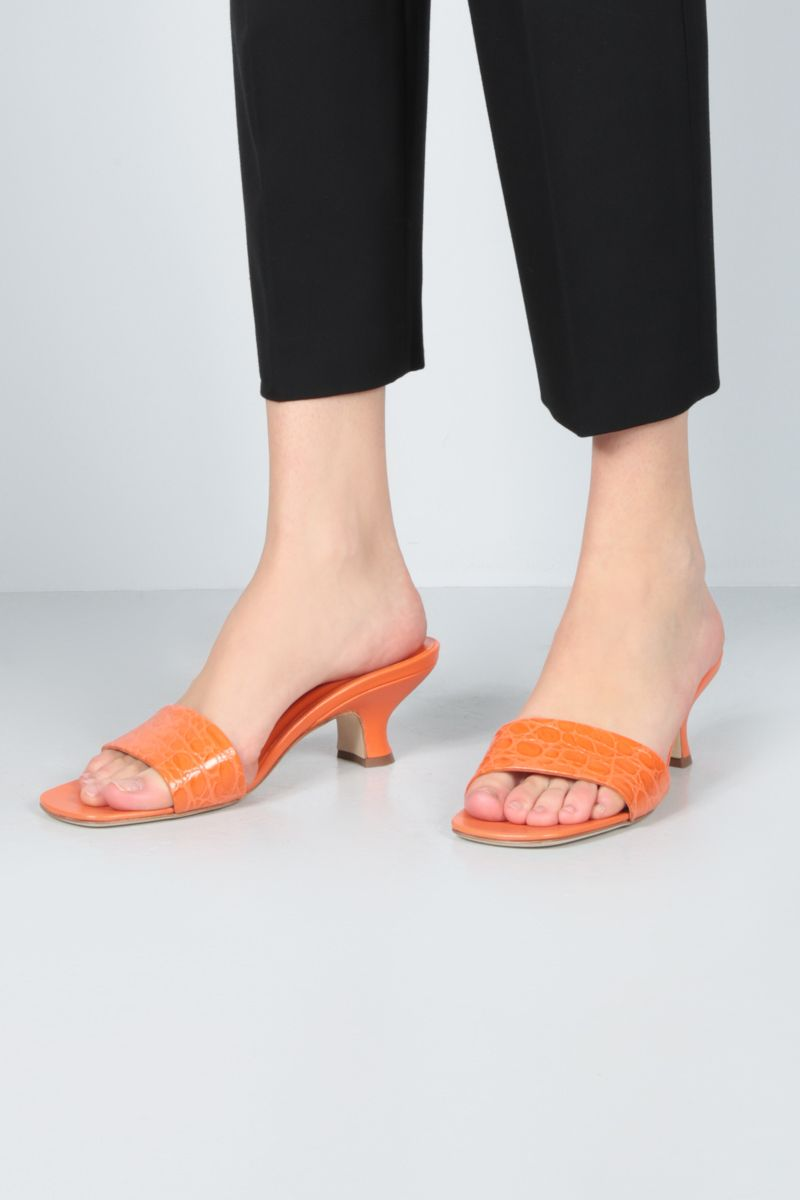 BY FAR: Freddy croc-embossed leather mule sandals Color Orange_2