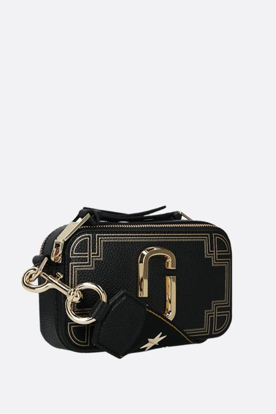 MARC JACOBS: Snapshot small grainy leather camera bag Color Black_2