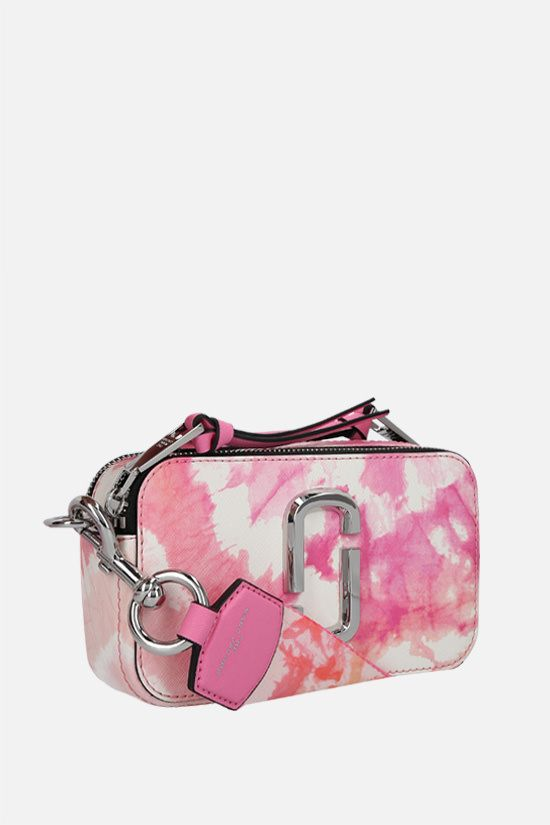 MARC JACOBS: Snapshot Tie Dye small crossgrain leather camera bag Color Pink_2