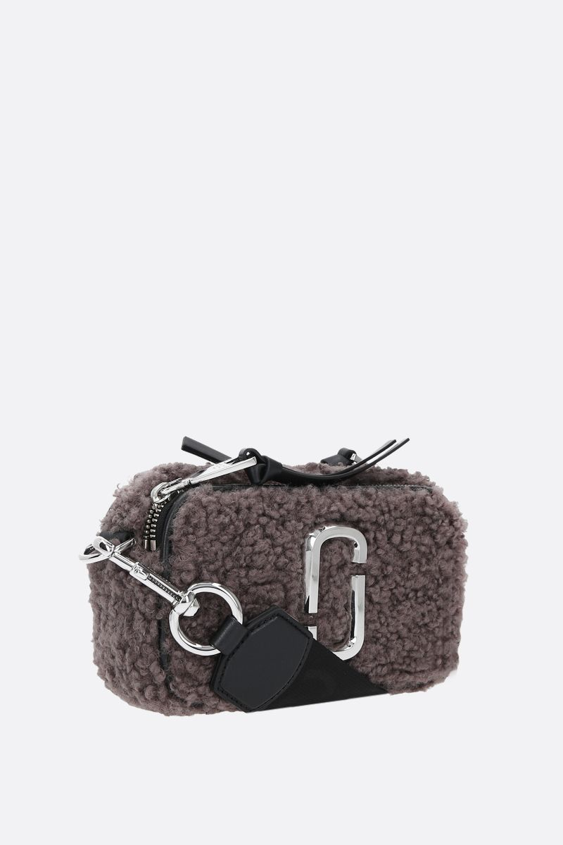 MARC JACOBS: Snapshot Teddy small faux shearling camera bag Color Grey_2