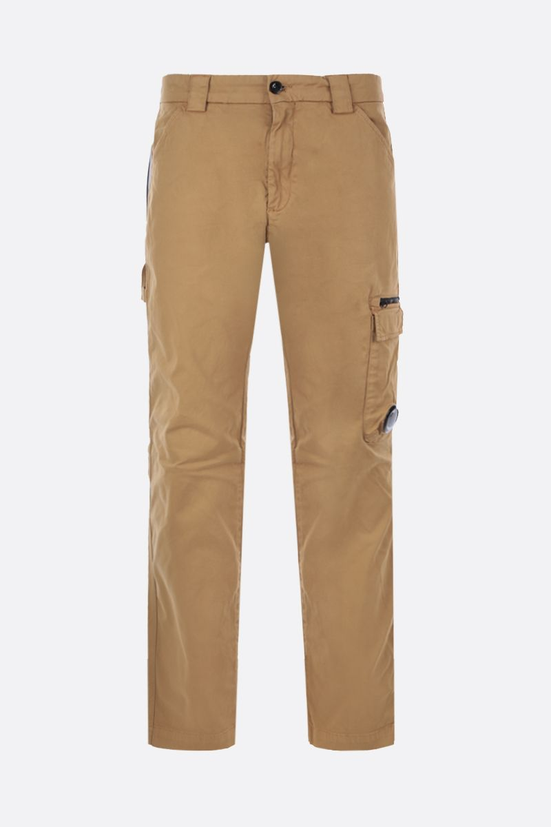 CP COMPANY: logo-detailed cargo pants in Stretch Sateen Color Orange_1