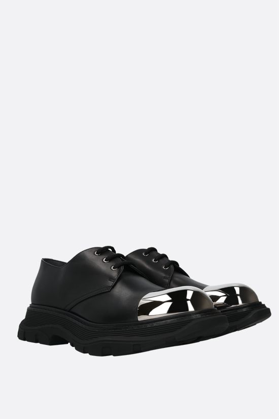 ALEXANDER McQUEEN: Tread shiny leather derby shoes Color Black_2