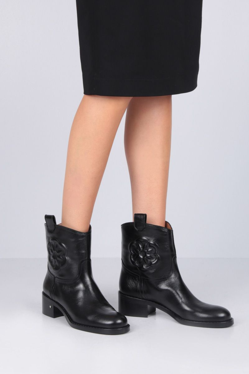 LAURENCE DACADE: Tebaldo ankle boots in vintage leather Color Black_2