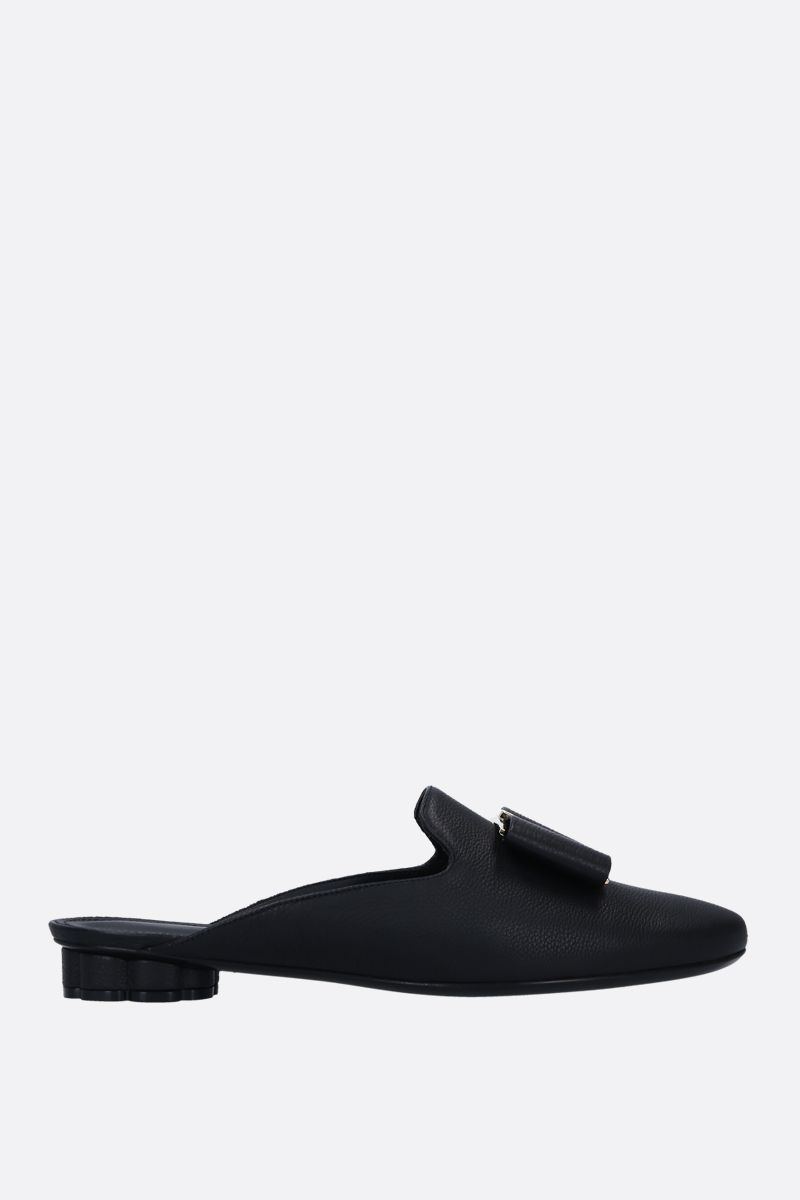 SALVATORE FERRAGAMO: Sciacca slippers in grainy leather Color Black_1