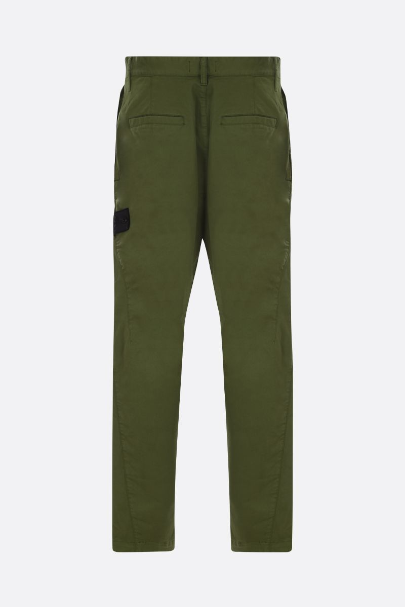 STONE ISLAND SHADOW PROJECT: logo badge-detailed stretch cotton cargo pants Color Green_2