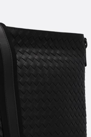BOTTEGA VENETA: large messenger bag in Intrecciato Color Black_8