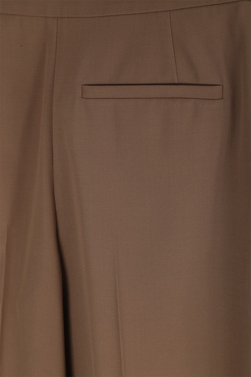 CHLOÈ: pantalone carrot-fit in misto lana Colore Verde_4