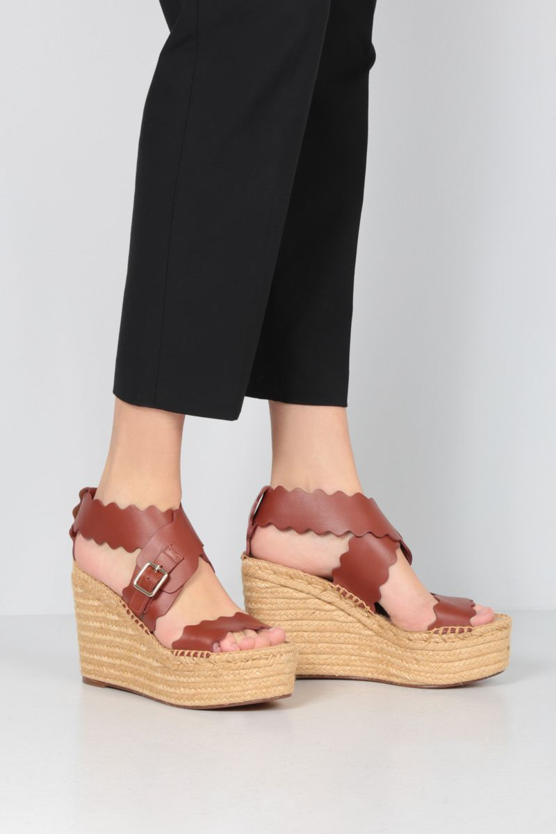 CHLOÈ: Lauren smooth leather wedge sandals Color Brown_2
