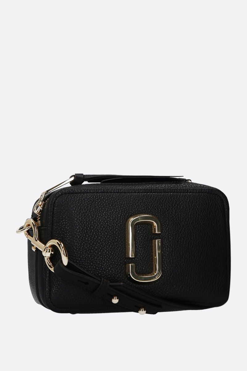 MARC JACOBS: The Softshot 21 crossbody bag in grainy leather Color Black_2