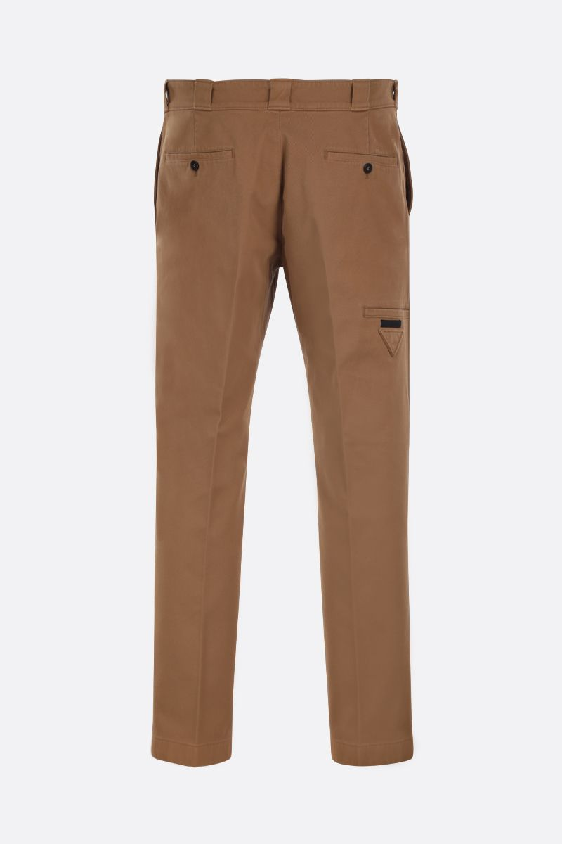 PRADA: pantalone slim-fit in gabardine di cotone Colore Marrone_2