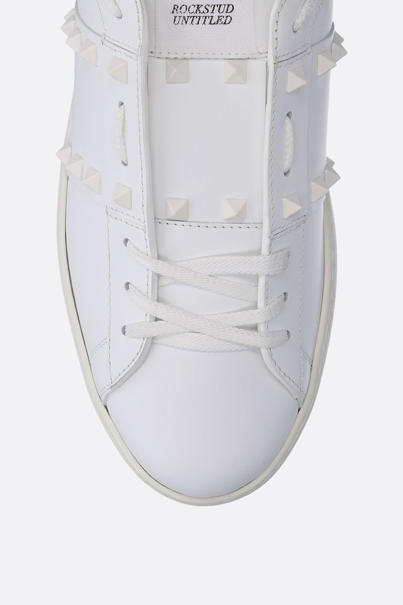 VALENTINO GARAVANI: Rockstud Untitled sneakers in smooth leather Color Multicolor_4