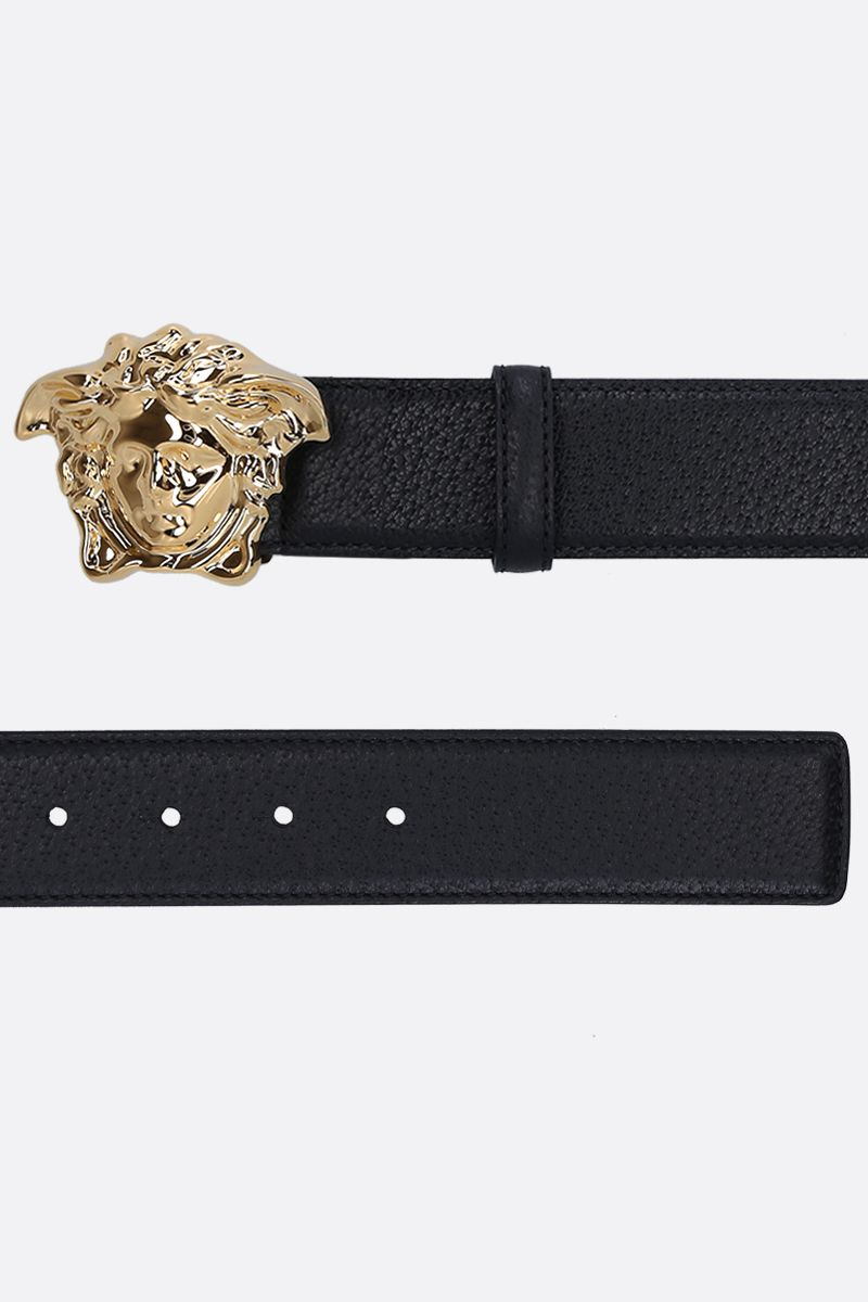 VERSACE: Medusa buckle-detailed belt in grainy leather Color Black_2