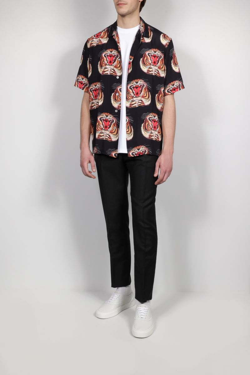 ENDLESS JOY: Tiger print crepe bowling shirt Color Black_2