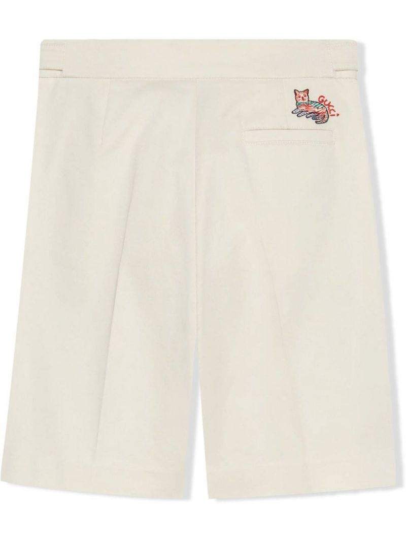 GUCCI CHILDREN: Gucci cat embroidered stretch cotton shorts Color White_2