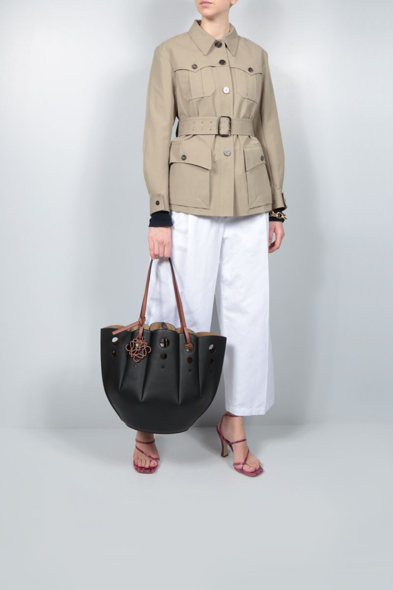 LOEWE: Shell tote bag in Classic leather Color Black_2