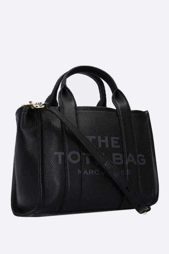 MARC JACOBS: The Traveler mini grainy leather tote bag Color Black_2