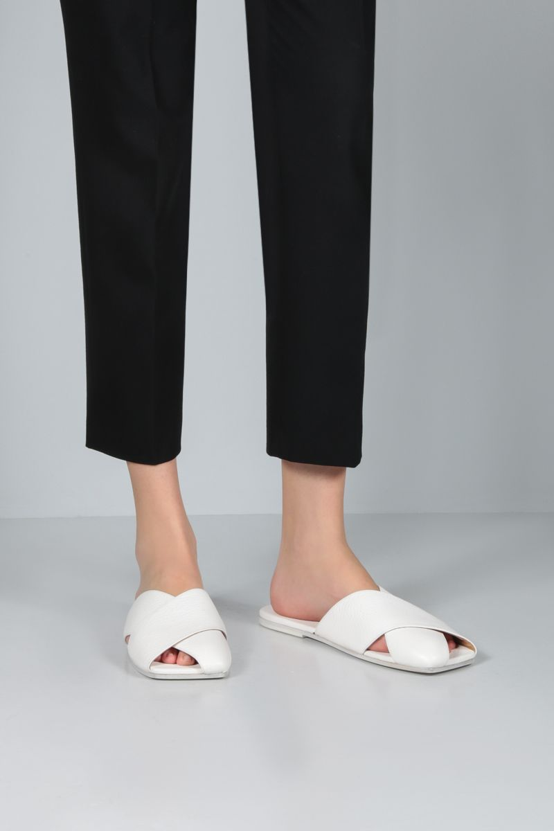 MARSELL: Spatola grainy leather slide sandals Color White_2
