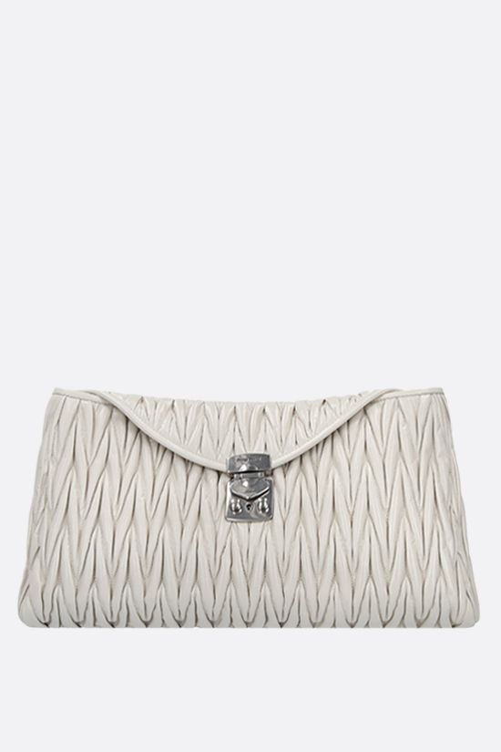 MIU MIU: Shine quilted leather chain clutch Color White_1