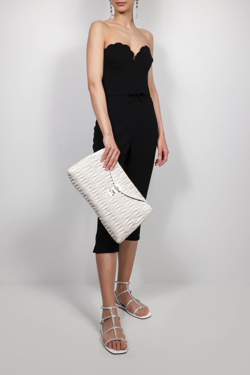 MIU MIU: Shine quilted leather chain clutch Color White_2